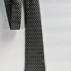 Other - ✨Geometric Print Silk Tie